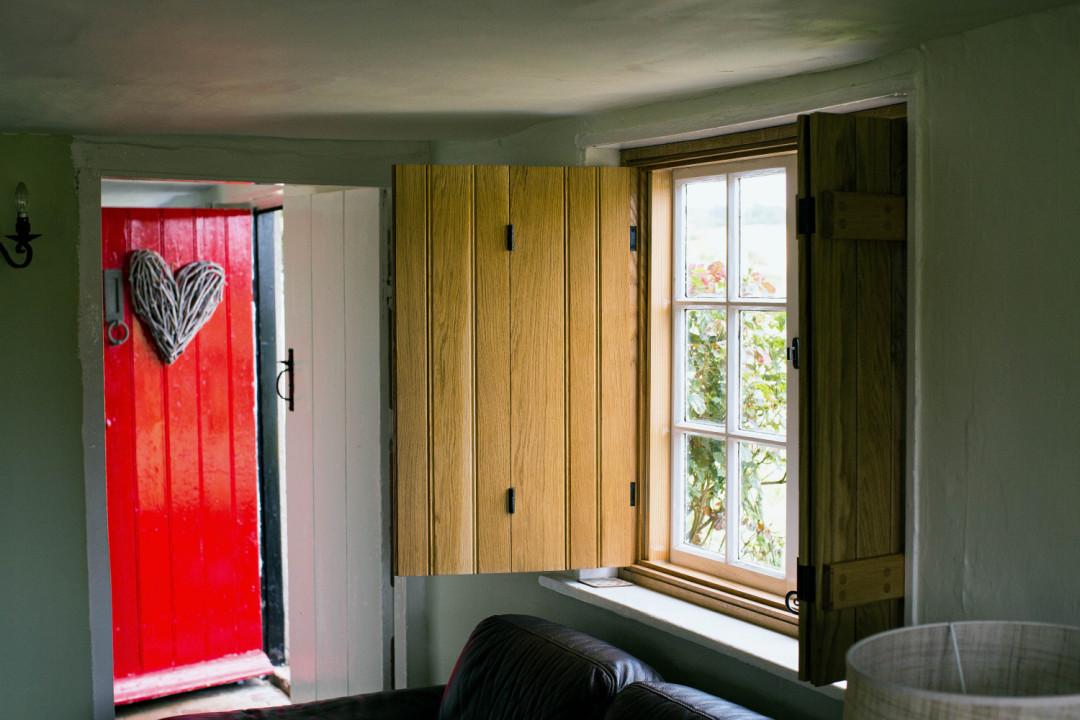 Internal window shutters