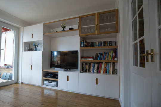 Contemporary Media Unit, Waterhall Joinery Ltd, Hertfordshire