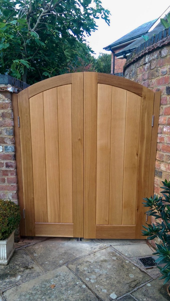 Oak Gates Hertfordshire